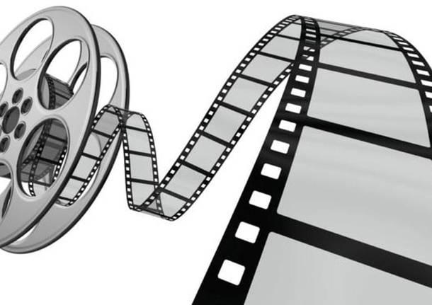 Aperitivo, film e comunità.